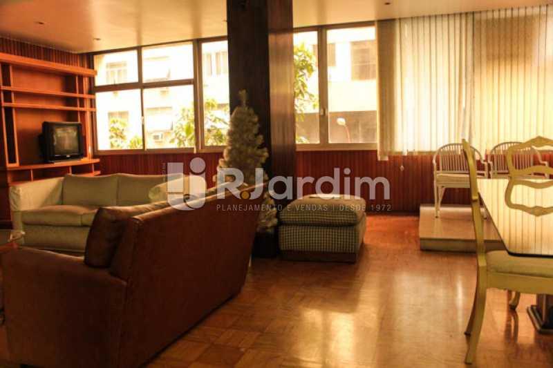 Vista do salão - Compra Venda Avaliação Imóveis Apartamento Copacabana 4 Quartos - LAAP40721 - 5