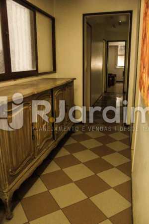 Corredor - Compra Venda Avaliação Imóveis Apartamento Copacabana 4 Quartos - LAAP40721 - 9