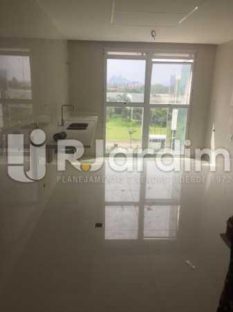 COZINHA - Compra Venda Avaliação Imóveis Apartamento Barra da Tijuca 4 Quartos - LAAP40723 - 20
