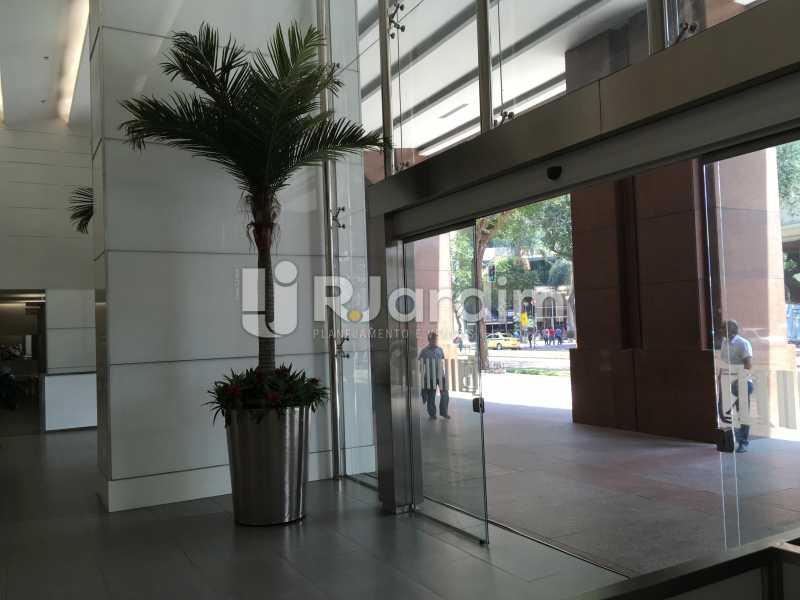 Hall de entrada do prédio - Sala Comercial Avenida Rio Branco,Centro, Zona Central,Rio de Janeiro, RJ Para Alugar, 141m² - LASL00179 - 9