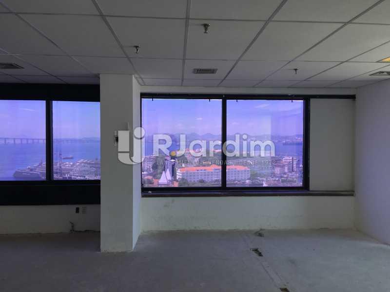 vista interna e externa - Aluguel Administração Imóveis Sala Comercial Centro - LASL00180 - 9