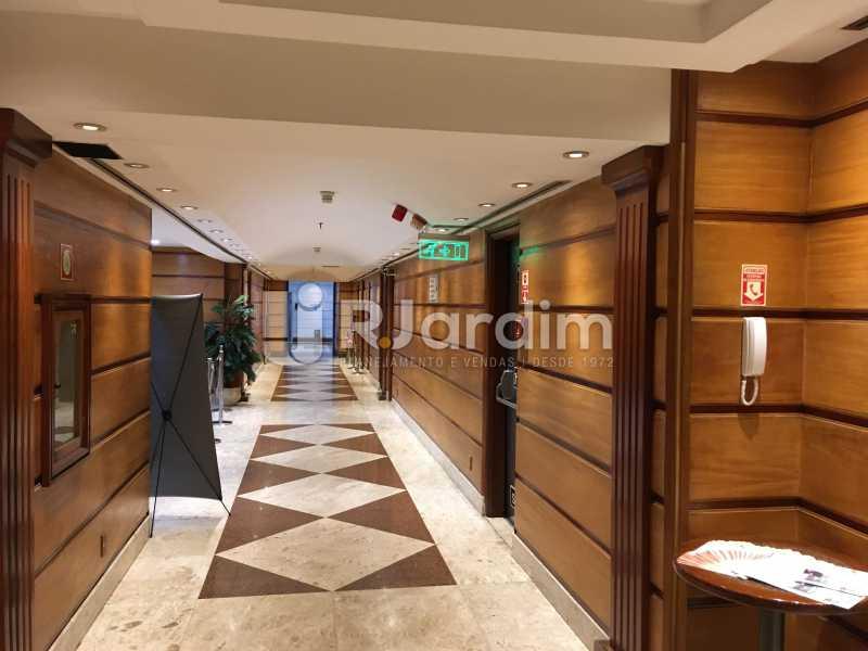 corredor da área de convenção - Aluguel Administração Imóveis Sala Comercial Centro - LASL00180 - 21