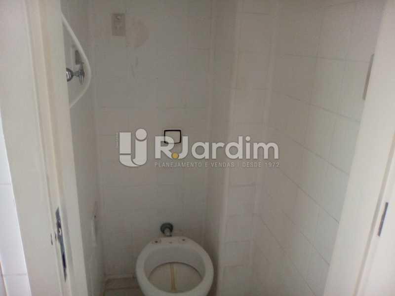 WC serviço - Aluguel Administração Imóveis Apartamento Ipanema 3 Quartos - LAAP31879 - 16