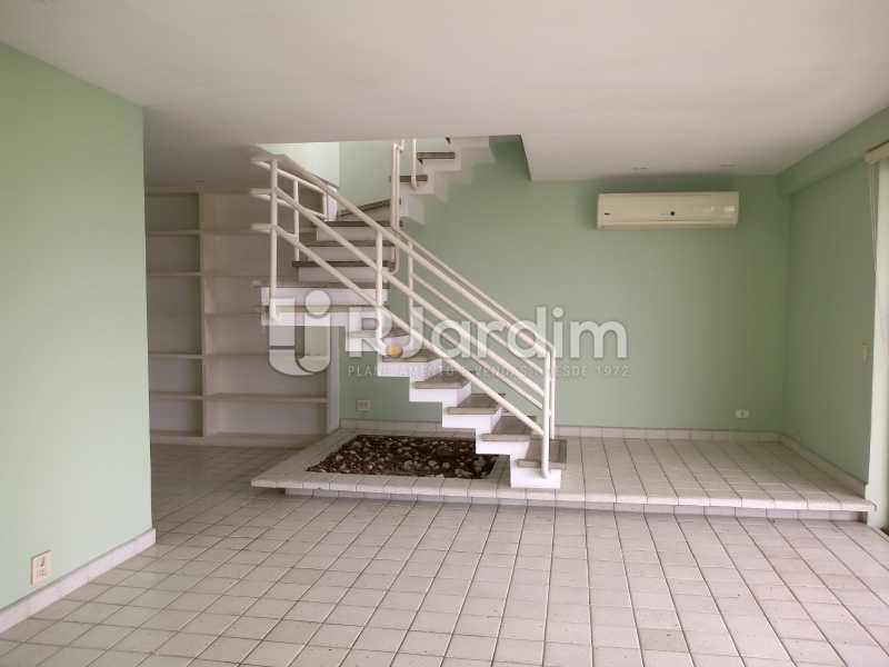 escada linear  - Cobertura À Venda - Ipanema - Rio de Janeiro - RJ - LACO30258 - 22