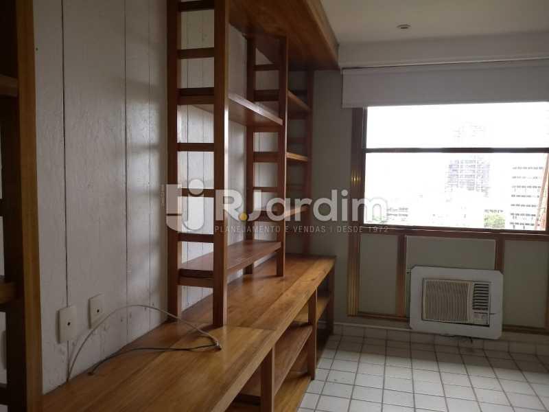 quarto /armários  - Cobertura À Venda - Ipanema - Rio de Janeiro - RJ - LACO30258 - 17