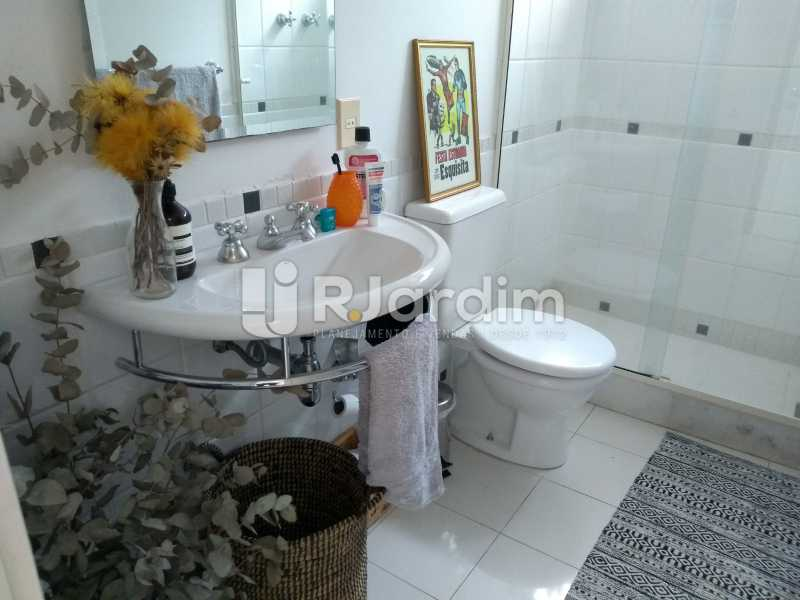 banheiro social / segundo piso - Cobertura À Venda - Lagoa - Rio de Janeiro - RJ - LACO30259 - 25