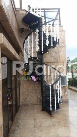 3 Escada acesso 2° piso  - Compra Venda Imóveis Cobertura Tijuca 4 Quartos - LACO40168 - 4