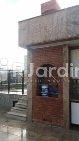 29 Churrasqueira no 2° piso  - Compra Venda Imóveis Cobertura Tijuca 4 Quartos - LACO40168 - 30