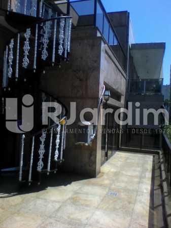 17 Escada de acesso 2° piso  - Compra Venda Imóveis Cobertura Tijuca 4 Quartos - LACO40168 - 18