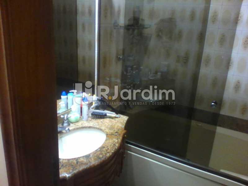 23 Banheiro suíte 1° piso      - Compra Venda Imóveis Cobertura Tijuca 4 Quartos - LACO40168 - 24