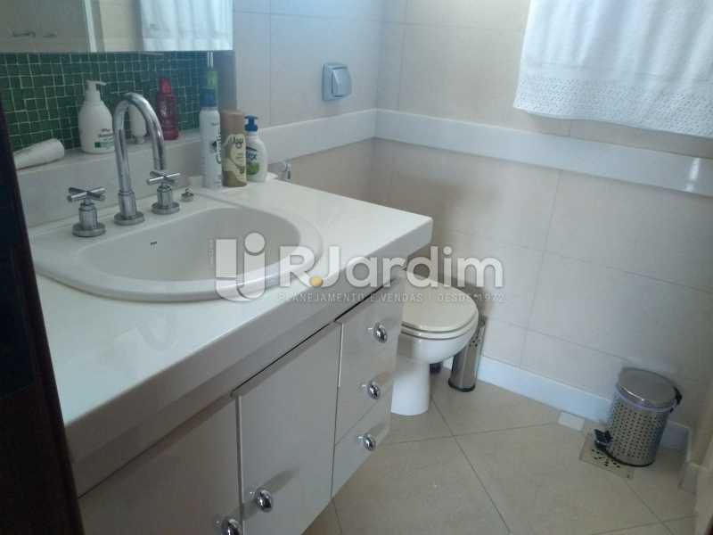 banheiro social  - Compra Venda Avaliação Imóveis Cobertura Ipanema 4 quartos - LACO40162 - 25