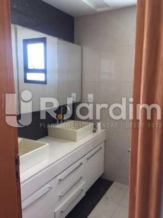 Banheiro  - Compra Venda Avaliação Imóveis Cobertura Recreio dos Bandeirantes 4 Quartos - LACO40164 - 19
