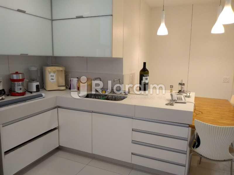 cozinha  - Compra Venda Avaliação Imóveis Cobertura Leblon 4 Quartos - LACO40166 - 28