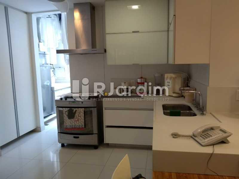 cozinha  - Compra Venda Avaliação Imóveis Cobertura Leblon 4 Quartos - LACO40166 - 29