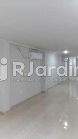 6 Sala do 2° piso  - Compra Venda Prédio Comercial Centro - LAPR00042 - 7
