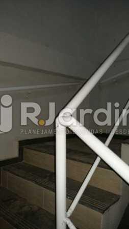 24 Escada Circulação prédio  - Compra Venda Prédio Comercial Centro - LAPR00042 - 25