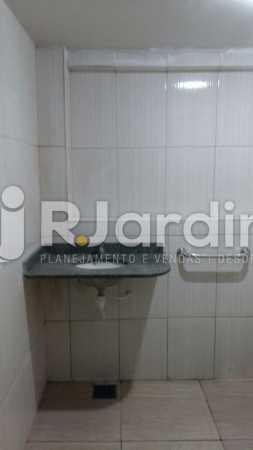 19 Banheiro 5° andar  - Compra Venda Prédio Comercial Centro - LAPR00042 - 20