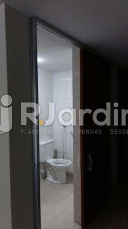 20 Banheiro 5° andar  - Compra Venda Prédio Comercial Centro - LAPR00042 - 22
