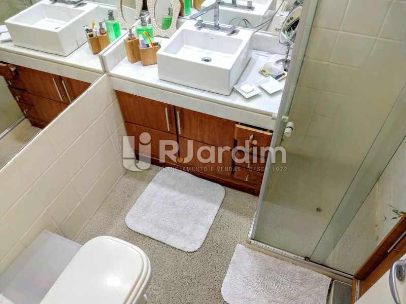 Banheiro Social - Compra Venda Avaliação Imóveis Apartamento Humaitá 3 Quartos - LAAP31951 - 22