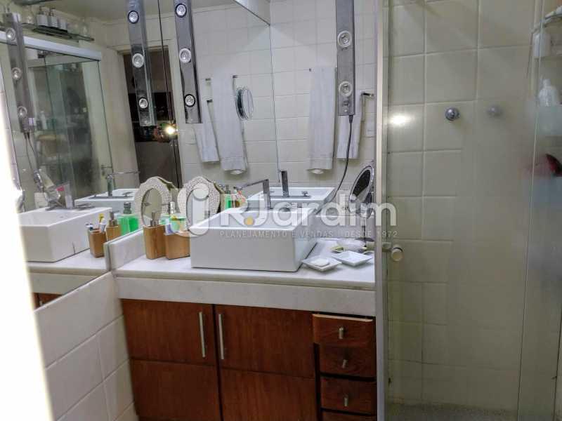 Banheiro Social - Compra Venda Avaliação Imóveis Apartamento Humaitá 3 Quartos - LAAP31951 - 21