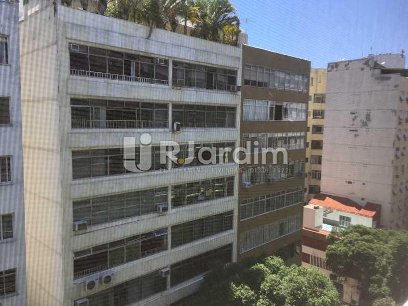 Vista da sala - Compra Venda Avaliação Imóveis Apartamento Copacabana 3 Quartos - LAAP31960 - 1