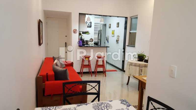Sala Cozinha Americana - Apartamento Copacabana 1 Quarto Aluguel Administração Imóveis - LAAP10339 - 4