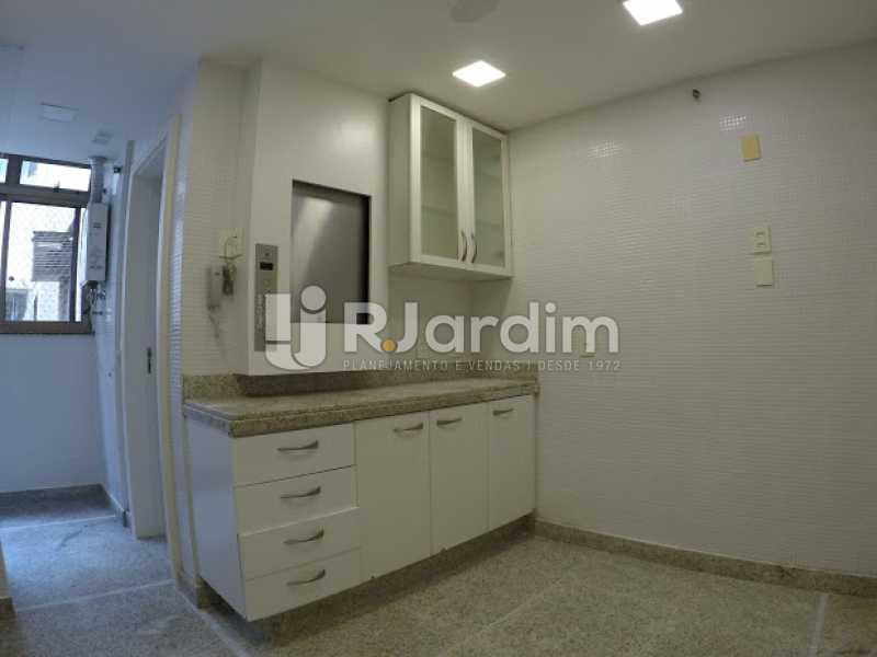 Cozinha - Aluguel Administração Imóveis Cobertura Leblon 4 Quartos - LACO40171 - 19