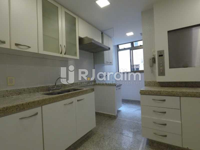 Cozinha - Aluguel Administração Imóveis Cobertura Leblon 4 Quartos - LACO40171 - 20