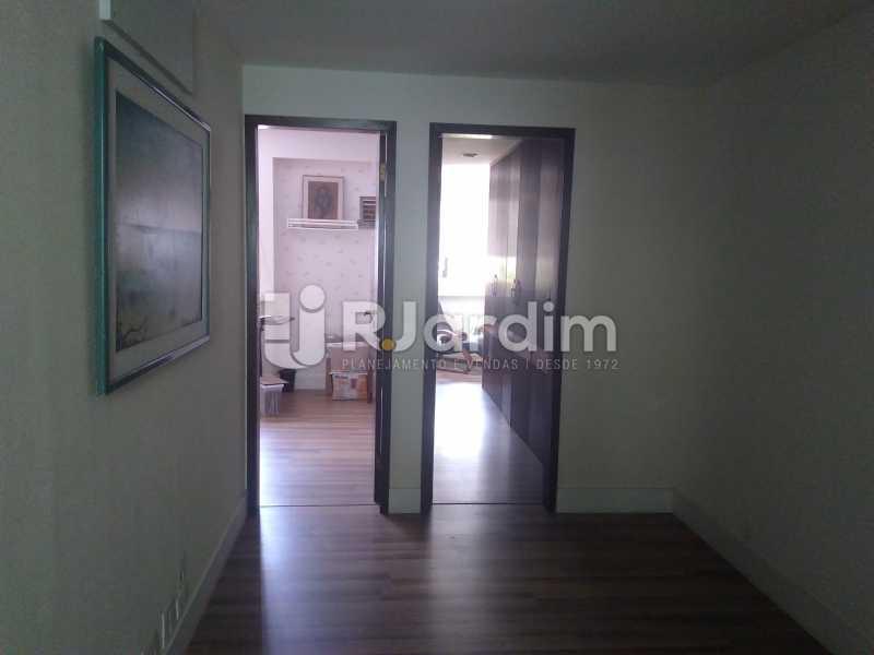 Hall - Aluguel Administração Imóveis Apartamento Duplex Lagoa 4 Quartos - LAAP32015 - 11