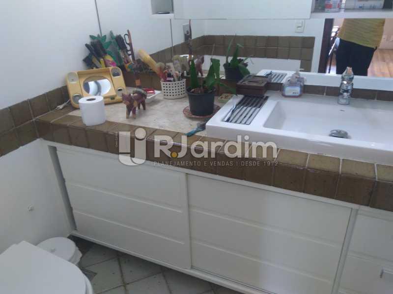 Banheiro Suíte III - Aluguel Administração Imóveis Apartamento Duplex Lagoa 4 Quartos - LAAP32015 - 15