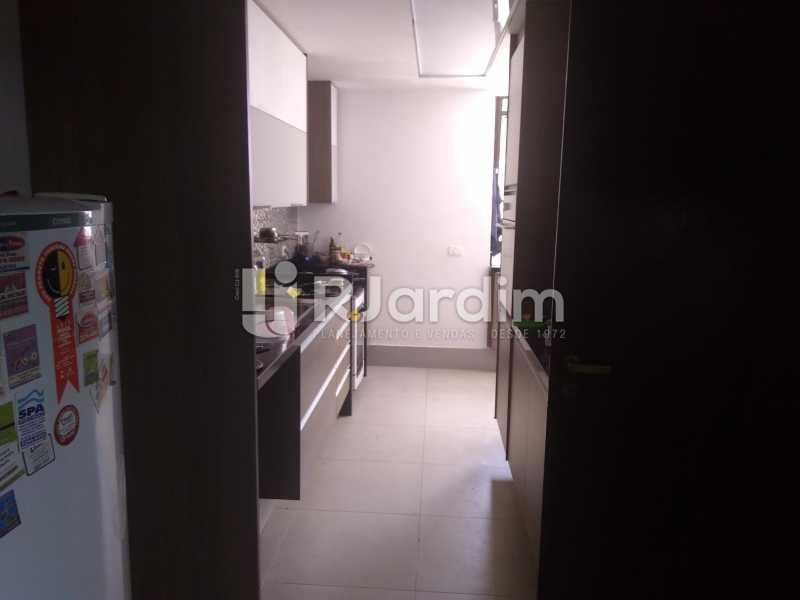 Cozinha  - Aluguel Administração Imóveis Apartamento Duplex Lagoa 4 Quartos - LAAP32015 - 22
