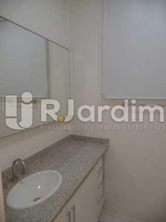 Banheiro - Apartamento Copacabana 4 Quartos Aluguel Administração Imóveis - LAAP40740 - 12