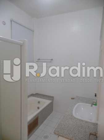 Banheiro master - Apartamento Copacabana 4 Quartos Aluguel Administração Imóveis - LAAP40740 - 13
