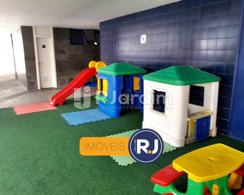 Play infantil - Aluguel Administração Imóveis Flat Residencial Humaitá 2 Quartos - LAFL20085 - 7