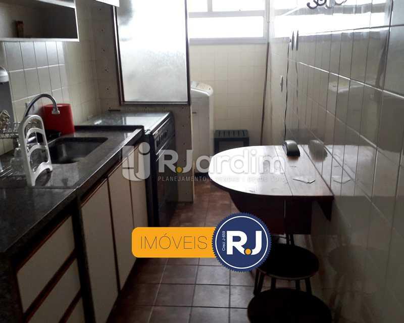 Cozinha Planejada - Aluguel Administração Imóveis Flat Residencial Humaitá 2 Quartos - LAFL20085 - 23