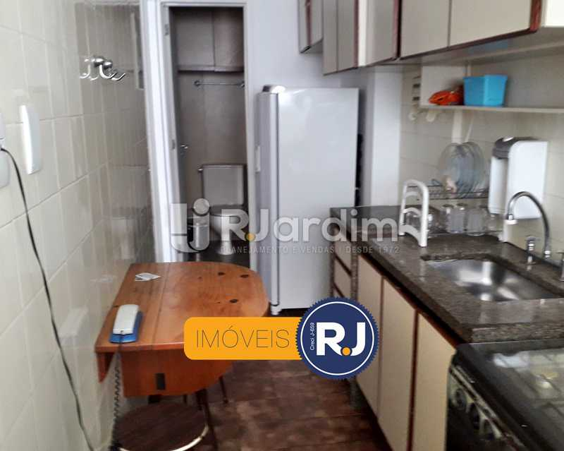 Cozinha Planejada - Aluguel Administração Imóveis Flat Residencial Humaitá 2 Quartos - LAFL20085 - 24