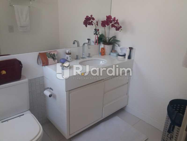 Banheiro suíte 2 - Cobertura à venda Rua Baronesa de Poconé,Lagoa, Zona Sul,Rio de Janeiro - R$ 2.530.000 - LACO30264 - 25