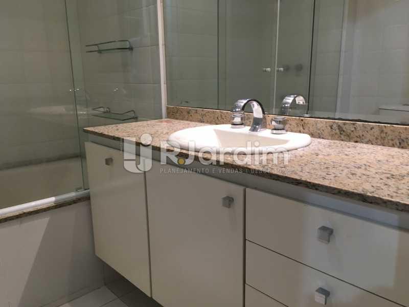 Banheiro Suíte - Compra Venda Avaliação Imóvel - LAAP40741 - 24