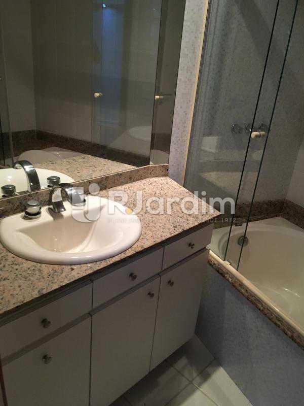 Banheiro Suíte - Compra Venda Avaliação Imóvel - LAAP40741 - 27