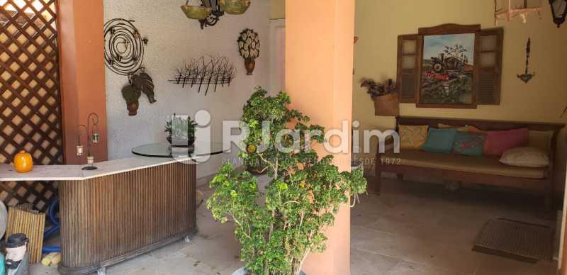 sala de estar /área externa  - Compra Venda Casa Residencial Freguesia (Jacarepaguá) 4 Quartos - LACN40017 - 8