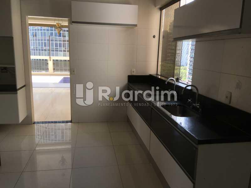 Cozinha - Compra Venda Avaliação Imóveis Apartamento Barra da Tijuca 4 Quartos - LAAP40748 - 19
