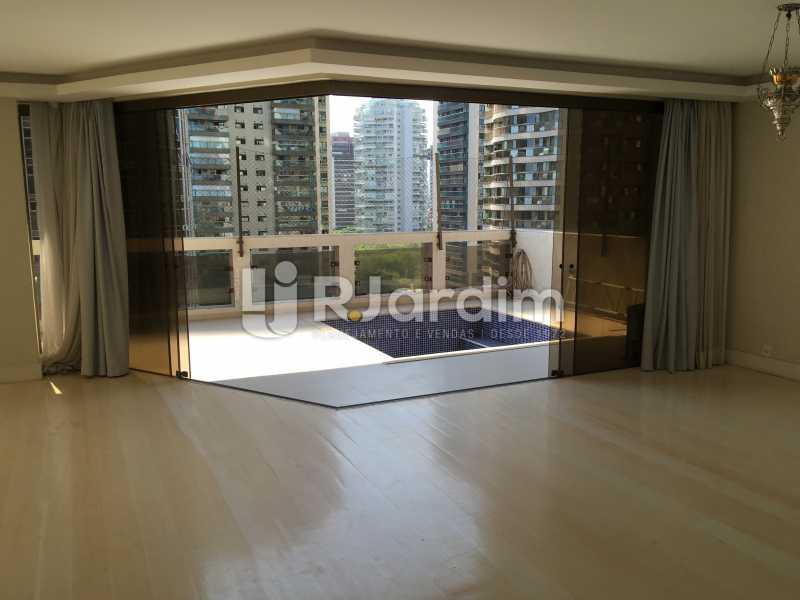 Salão e varanda - Compra Venda Avaliação Imóveis Apartamento Barra da Tijuca 4 Quartos - LAAP40748 - 9