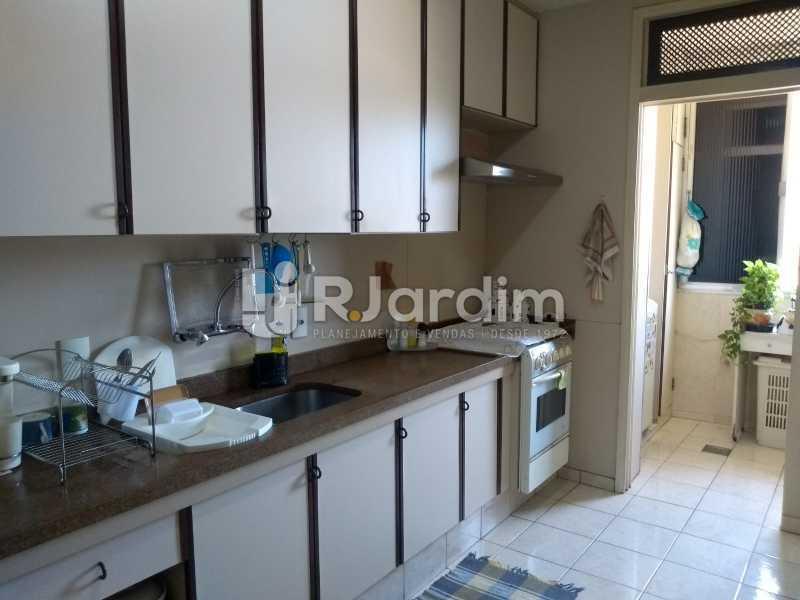 cozinha / área de serviço  - Apartamento À Venda - Lagoa - Rio de Janeiro - RJ - LAAP31999 - 15