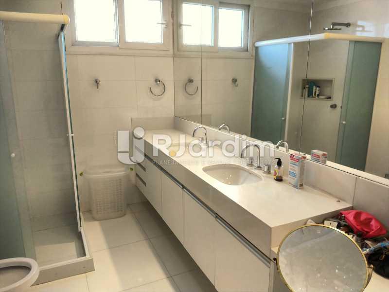 Banheiro Suíte - Apartamento À Venda - Copacabana - Rio de Janeiro - RJ - LAAP50046 - 18