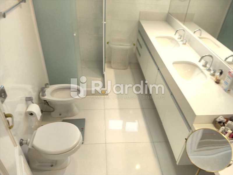 Banheiro Suíte - Apartamento À Venda - Copacabana - Rio de Janeiro - RJ - LAAP50046 - 19