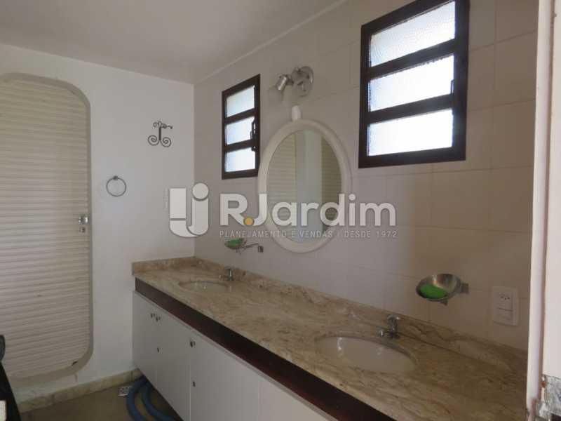 Banheiro social - Casa à venda Rua Ministro Aliomar Baleeiro,Recreio dos Bandeirantes, Zona Oeste - Barra e Adjacentes,Rio de Janeiro - R$ 2.500.000 - LACA30024 - 27