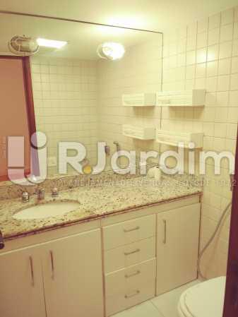 11- BANHEIRO SUITE - Apartamento Ipanema 3 Quartos Aluguel Administração Imóveis - LAAP32026 - 13
