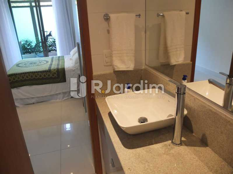 banheiro suíte - Apartamento À Venda - Ipanema - Rio de Janeiro - RJ - LAAP32035 - 14