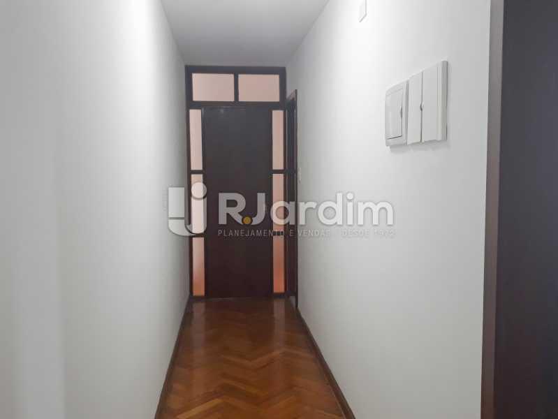 corredor - Aluguel Administração Imóveis Apartamento Copacabana 4 Quartos - LAAP40757 - 5