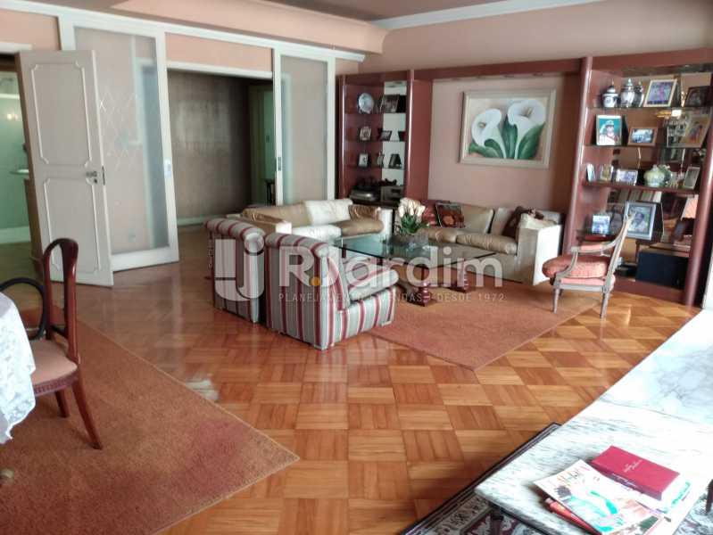 Sala (vista do bar) - Apartamento à venda Rua Constante Ramos,Copacabana, Zona Sul,Rio de Janeiro - R$ 2.200.000 - LAAP40758 - 1